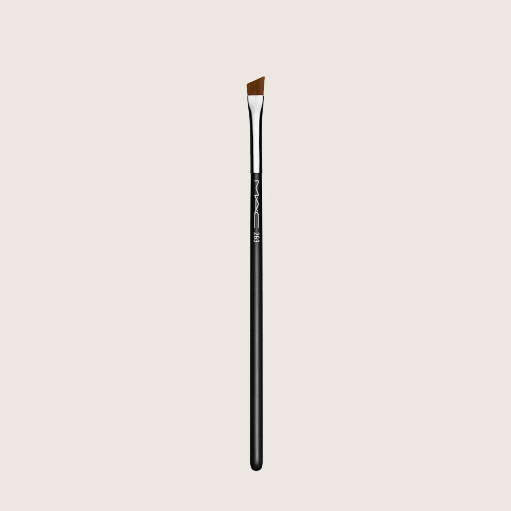 MAC,-brush,-185-kr..jpg