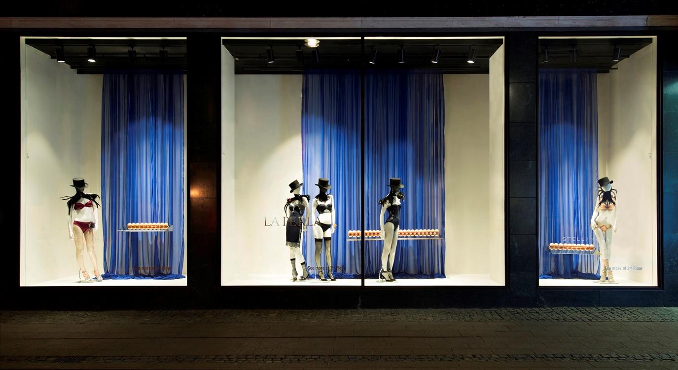 Window 5 - Stella McCartney & La Perla